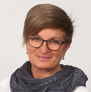 Atkári Mónika