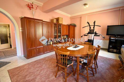 Eladó Ház, Pest megye, Nagykőrös - 216m2-es ház 130m2-es műhellyel 1 hektár területen