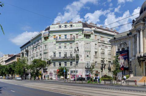 Eladó Lakás, Budapest - *MINŐSÉGI FELÚJÍTÁS KÖZVETLENÜL A VÍGSZÍNHÁZNÁL!*