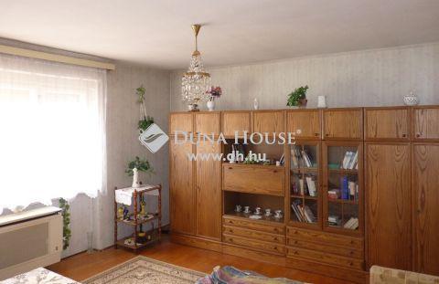 Eladó Lakás, Somogy megye, Kaposvár - *** Damjanich utca, 3. emeleti, 2 szobás, tégla lakás