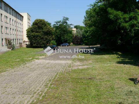 Eladó Ház, Budapest - Fejleszthető munkásszálló, nagy telek