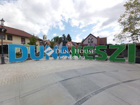 Eladó Lakás, Pest megye, Dunakeszi - Központi helyen.Tehermentes, azonnal költözhető, 2 lakásos társasházban, gépkocsibeállóval.