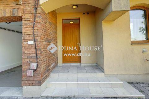 Eladó Lakás, Bács-Kiskun megye, Kiskunfélegyháza - Eladó Kiskunfélegyházán,  igényes lakóparkban,egy 2 szintes,102 nm lakás!