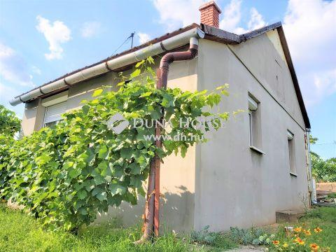 Eladó Ház, Pest megye, Erdőkertes - GÉZA-HEGYEN BŐVÍTHETŐ KIS  TÉGLA HÁZ 721 NM-ES TELKEN