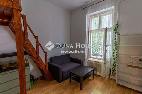 Eladó Lakás, Budapest - Dózsa György úti metró közelében, emeleti, lakható állapotú kis lakás, 20 Millió Ft alatt