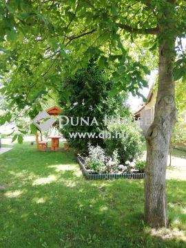 Eladó Ház, Fejér megye, Moha - Székesfehérvár határában, állandó lakhatásra is.