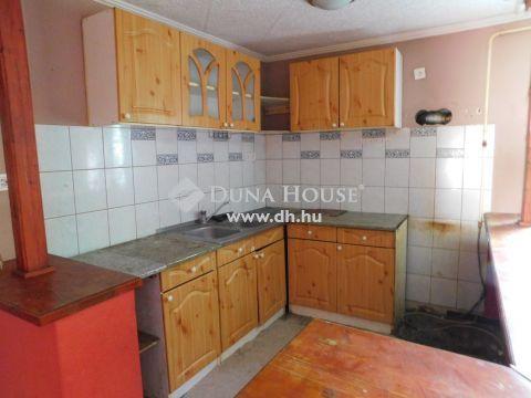 Eladó Ház, Pest megye, Nagykőrös - Családi ház, 1 szobás lakás árában!