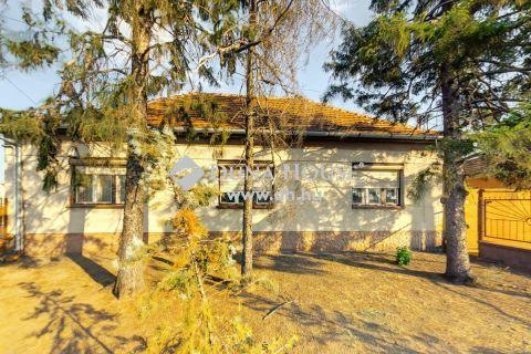 Eladó Ház, Bács-Kiskun megye, Jakabszállás - JÓ adottságú családi ház, nagyméretű garázzsal tárolóval!