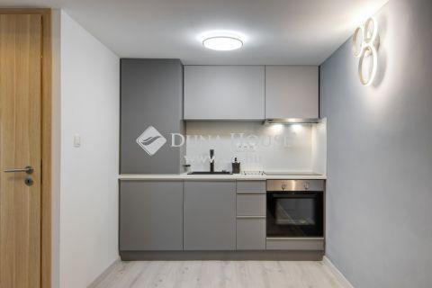 Eladó Lakás, Budapest 7. kerület - Felújított ház, emeleti, trendi - Rejtő Jenő utca