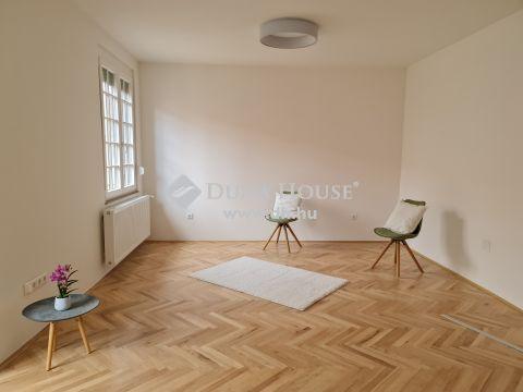 Eladó Lakás, Baranya megye, Pécs - Belvárosban 95 nm-es felújított lakás eladó